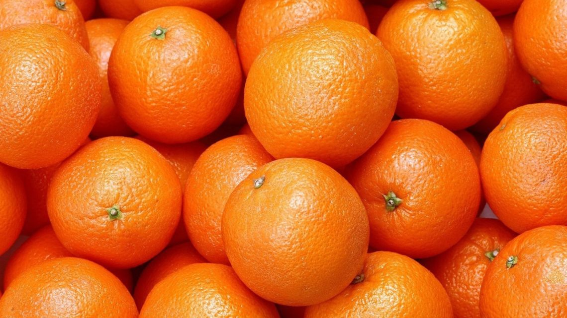 How to buy oranges in Naranjas Quique?