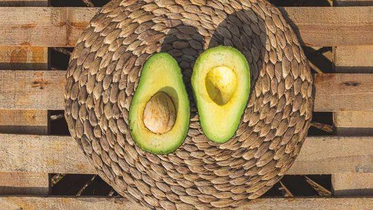 Wie werden Avocados richtig aufbewahrt? Tricks, mit denen Sie diese wohltuenden Früchte in vollen Zügen genießen können